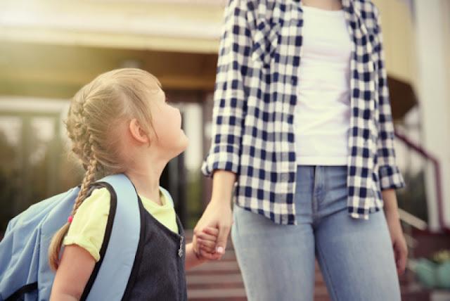 Kinh nghiệm cho con đi nhà trẻ - Các bậc phụ huynh nên cho trẻ đi mầm non sớm