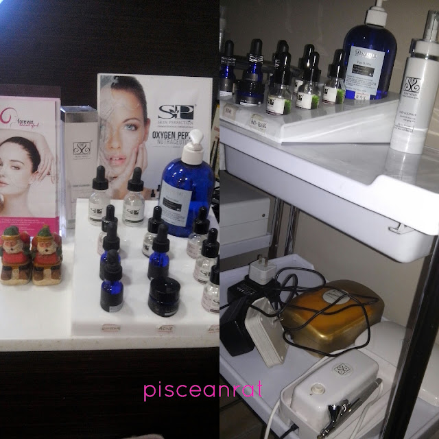 Skin Perfection's Oxygen facial in Forever Beautiful comes in 2 options- Basic applying 2 serums (Php 1300) and Intensive using 5 serums (Php 1800). You can choose oil control, whitening or anti-aging)