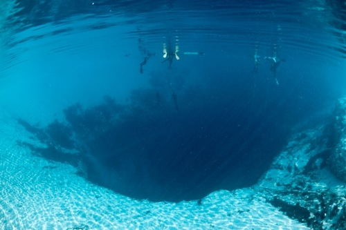 Great Blue Hole of Belize - Unusual Facts