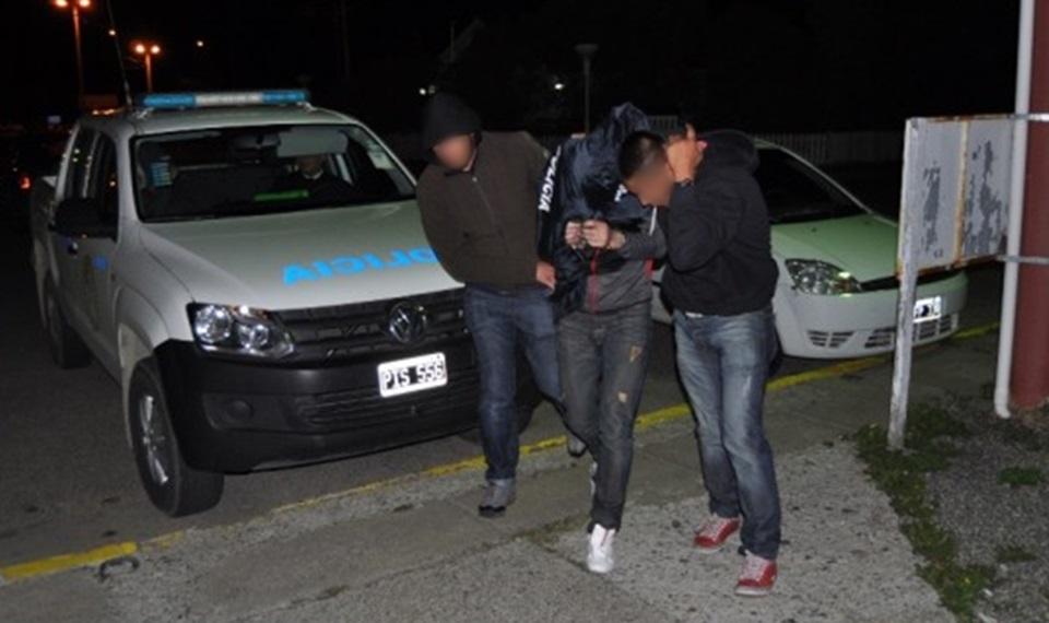 Cuatro detenidos por venta de droga