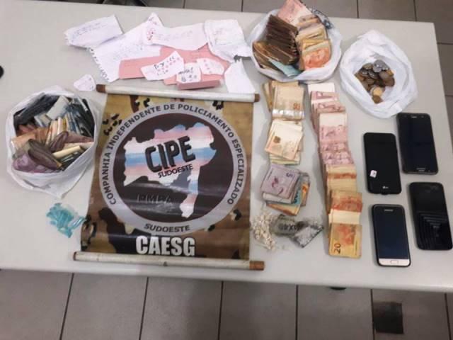 Operação da Cipe Sudoeste apreende drogas e mais de 22 mil em dinheiro