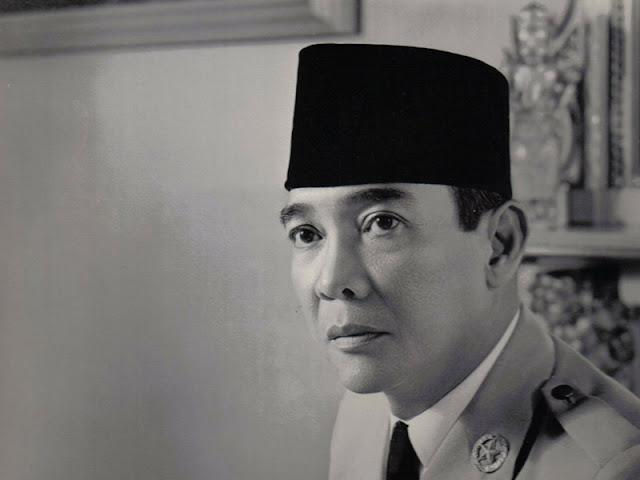 Kumpulan Kata Kata Bijak Terbaik Soekarno Dalam Bahasa Inggris Dan Artinya