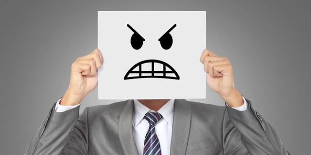Bagaimana kamu menjelaskan bahwa seseorang sedang marah dalam bahasa inggris Contoh Kalimat 'Angry' (Marah) Dalam Bahasa Inggris