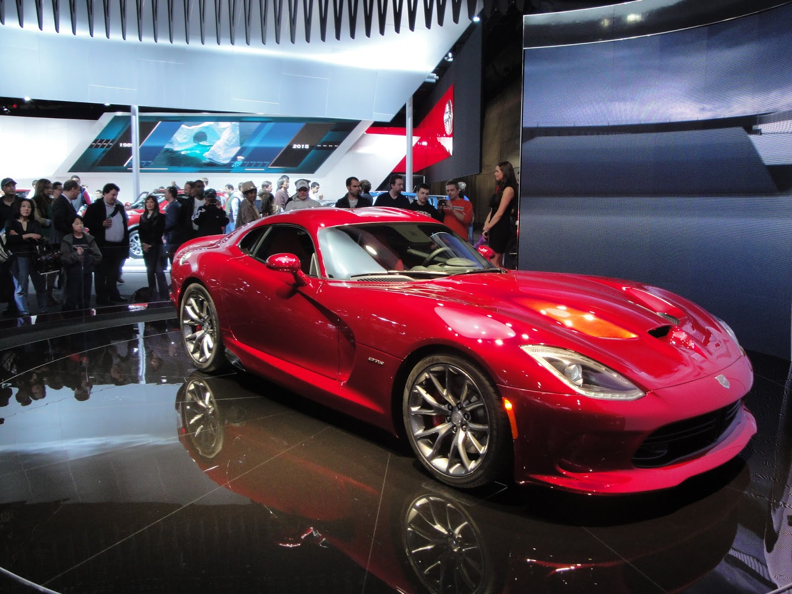 car news commentary : the three things that killed the dodge viper