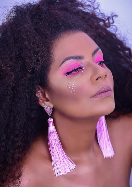 Maquiagem Dia Internacional da Mulher, maquiagem rosa pele negra,