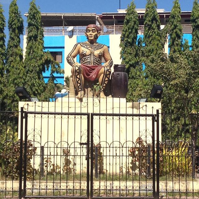 Rajah Humabon statue at Plaza Hamabar