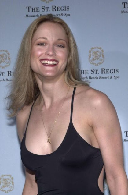 Teri Polo Hot and Sexy Wallpapers