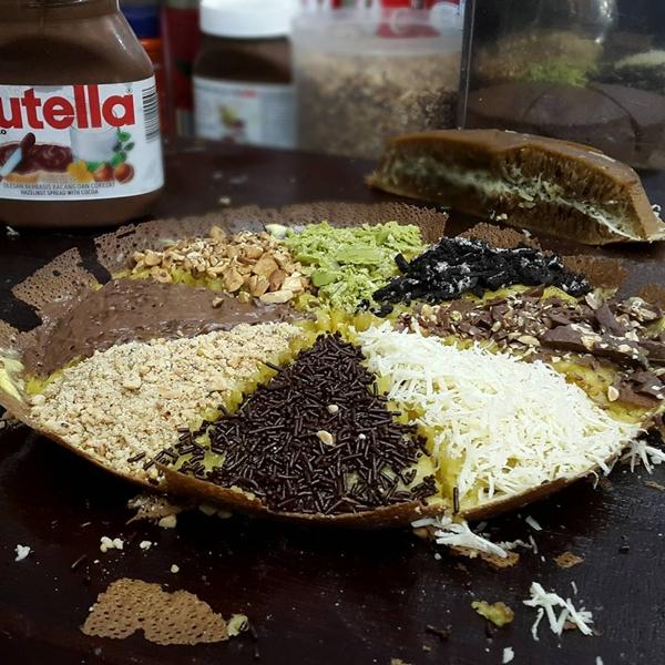 Download Wallpaper Resep Martabak Ketan Hitam Manis Topping Keju, Nutella, Meises dan Coklat Tulip