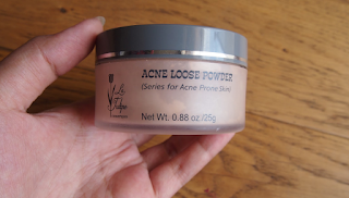 Bedak La Tulipe Acne Face Powder