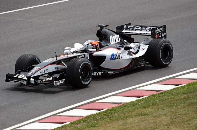 Gambar Mobil Balap F1 Minardi 02