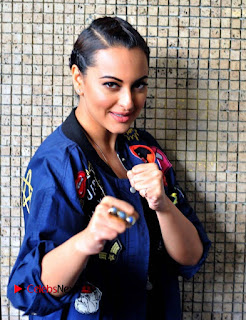 Sonakshi Sinha Spotted in new Akira Look promoting her movie Akira