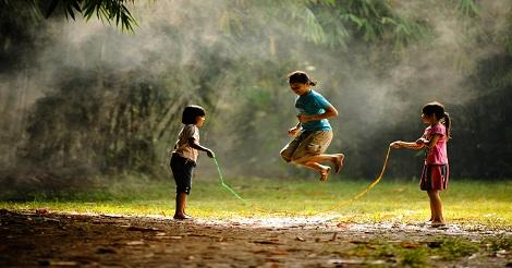 Permainan Anak Tradisional Lompat Tali