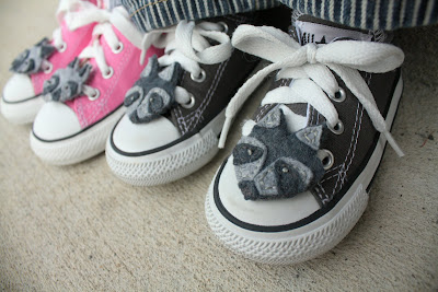 Made with Moxie: Rocky Racoon Shoelace Pets. Pink and black Converse rocking their Rocky Raccoons.