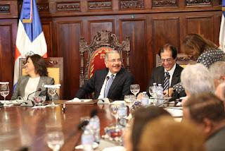 Danilo Medina encabezará hoy reunión del Sistema de Monitoreo y Medición de Gestión Pública, Salón Consejo de Gobierno.