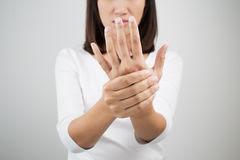 Comment soulager une tendinite au poignet ?