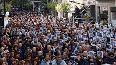 Multitudinaria marcha con motivo del 22.º aniversario del ataque contra la AMIAEnrique MarcarianReuters