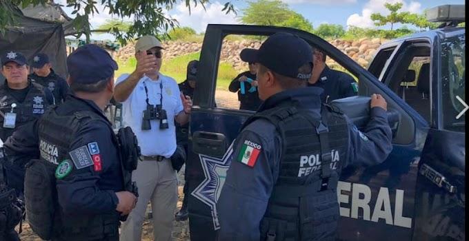 Balseros guatemaltecos y mexicanos expresaron su molestia por nuevo operativo de migración y policía federal en las laderas del río Suchiate.