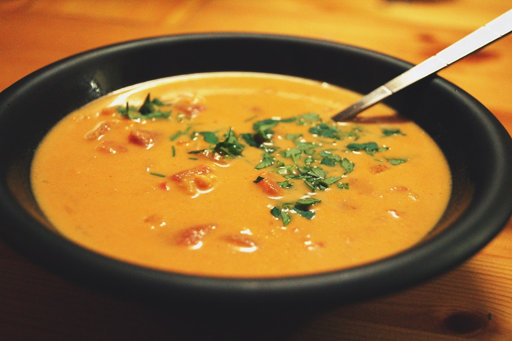 Rote-Linsen-Suppe mit Kokosmilch
