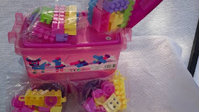 PRODUCTO AGOTADO !!! Carro de arrastre con 62 piezas de Lego por solo $ 7500