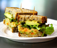 Sanduíche com Salada de Grão-de-Bico (vegana)