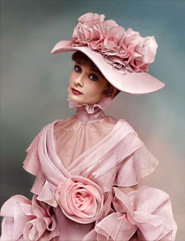 31 colorful photos show hat styles that audrey hepburn often wore addthis sharing buttons mightylinksfo Choice Image