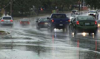 banyak sekali pengemudi mobil yang kerap kali melakukan berbagai tindakan keliru yang bis Kesalahan Fatal Yang Perlu Dihindari Kala Mengemudi Di Saat Hujan