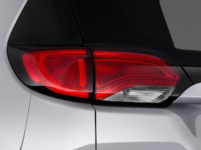 Chrysler Pacifica rear light Hd pictures 0