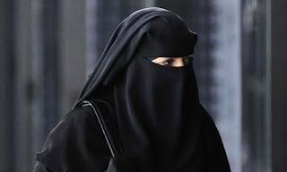 Hukum Memakai Cadar dalam Islam