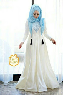 Dress Muslim Warna Putih