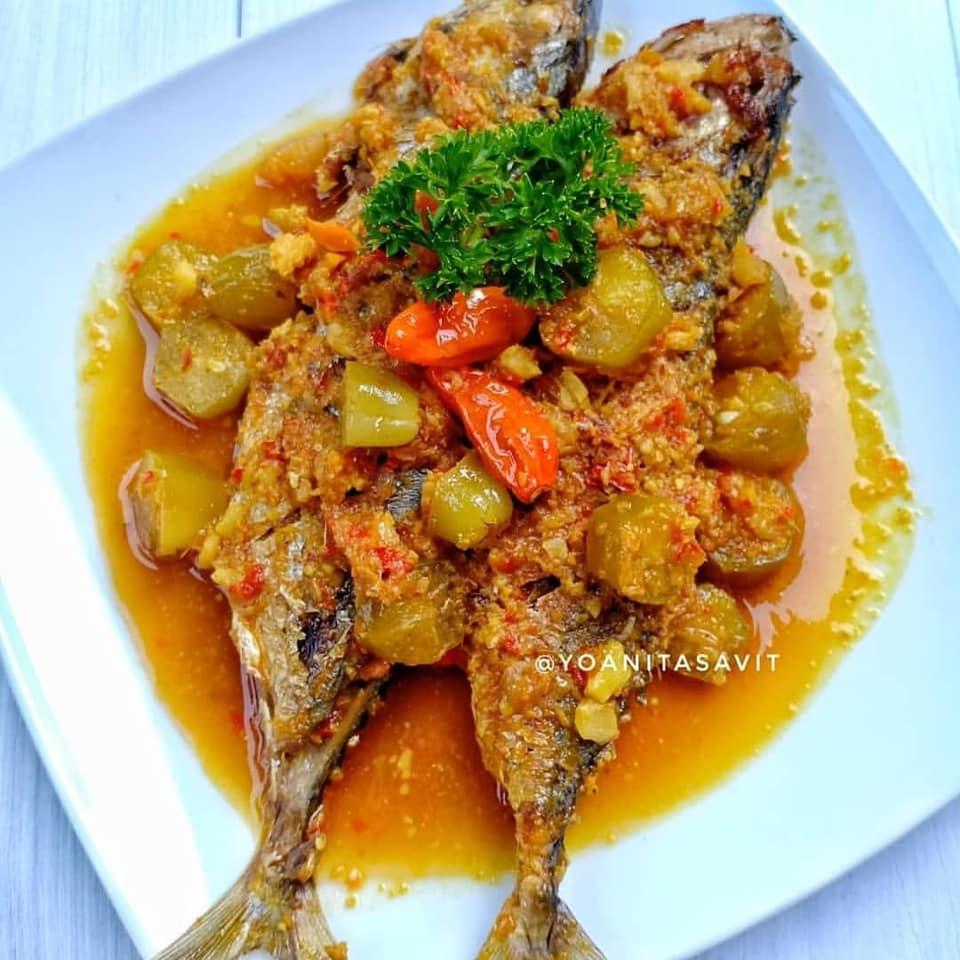 Cara Mudah Membuat Pesmol Ikan Kembung Sebagai Menu Makan Malam Yang Enak Sederhana Dan Terbaru Resep Kue Dan Masakan