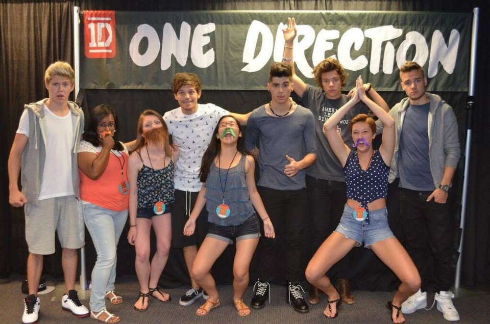 honeymoon tour meet and greet pictures with one direction