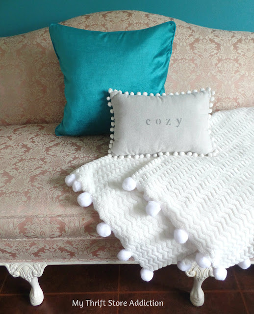 DIY cozy pom-pom throw