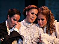 Bir melodram oynayan bayan oyuncular