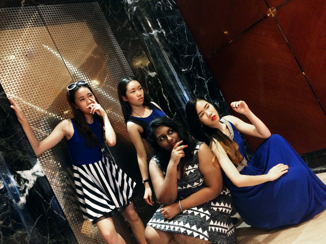 Brunei Blogger May Cho with Eden Chiam, Shian Li Chiam and Jennifer Prince at The Empire Hotel wearing Cobalt Blue