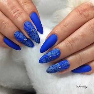 http://snaily-nails.blogspot.com/2018/02/niebieskie-rajstopki.html