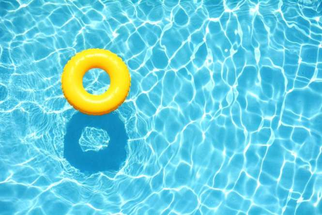 Juegos de mesa para la piscina y la playa