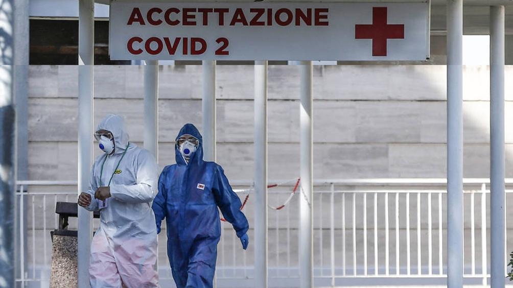 Con decenas de trabajadores de salud muertos, los médicos italianos amenazan con parar por falta de protección estatal