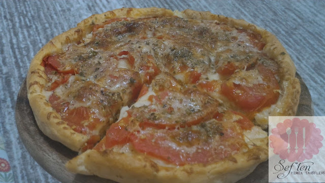 domatesli pizza tarifi yapılışı