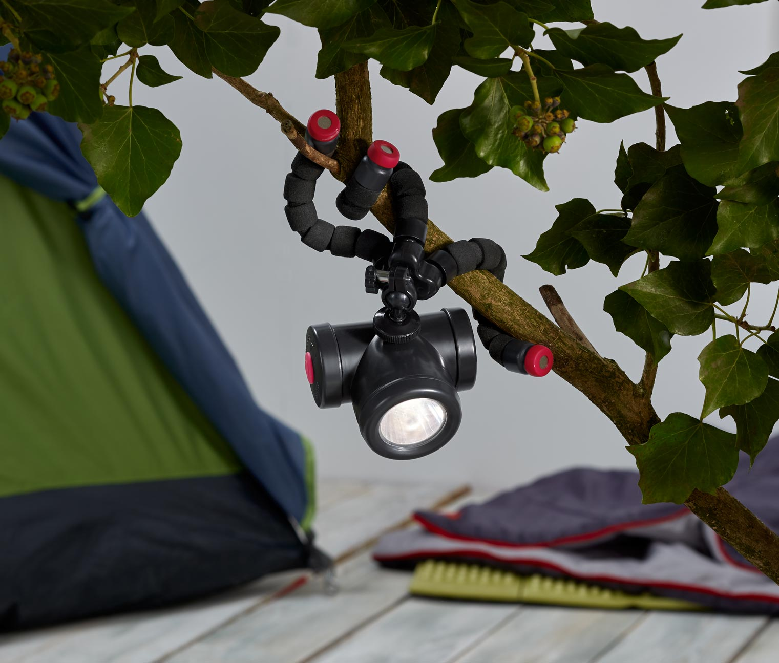 tchibo tripodlu fonksiyonel outdoor lamba teknolsun. Black Bedroom Furniture Sets. Home Design Ideas