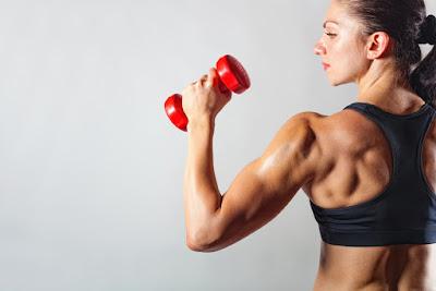 Olahraga di Tempat Fitness atau Gym