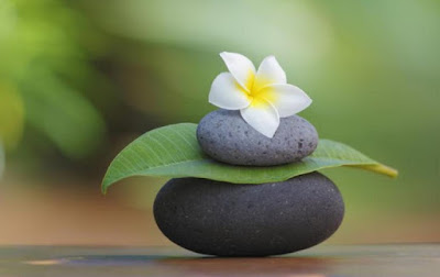 mastering-thoghts-via-meditation-stones-plased-over-and-over-http://www.woobleweb.com/