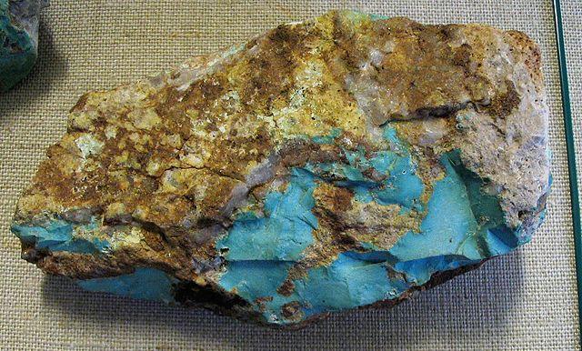 propriétés, vertus, bienfaits, signification du turquoise pierre, minéral