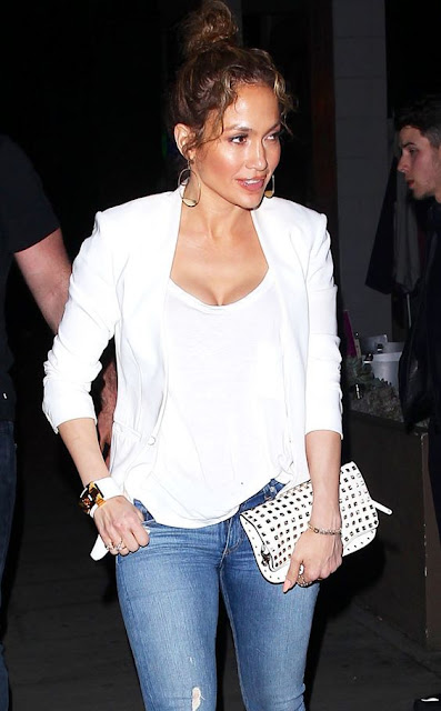 Jennifer Lopez in a white on white outfit - celebrity street style!