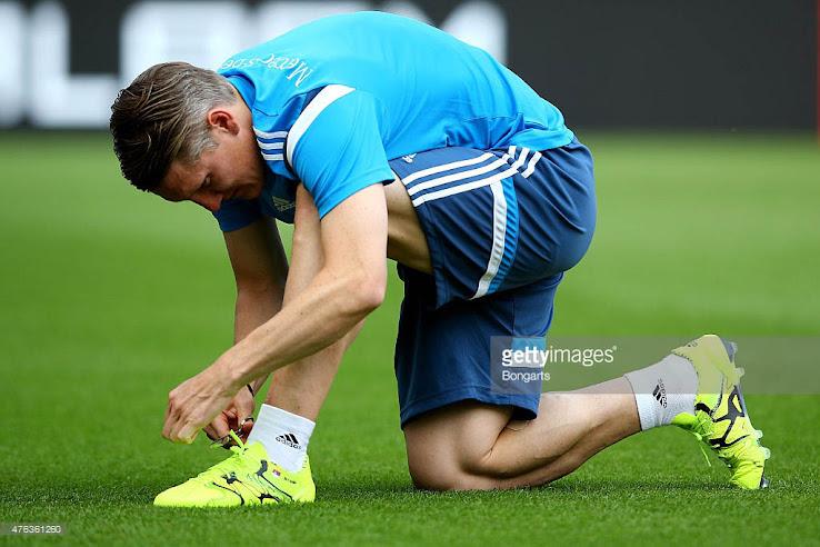 Schweinsteiger revela Custom Adidas x botas Footy titulares