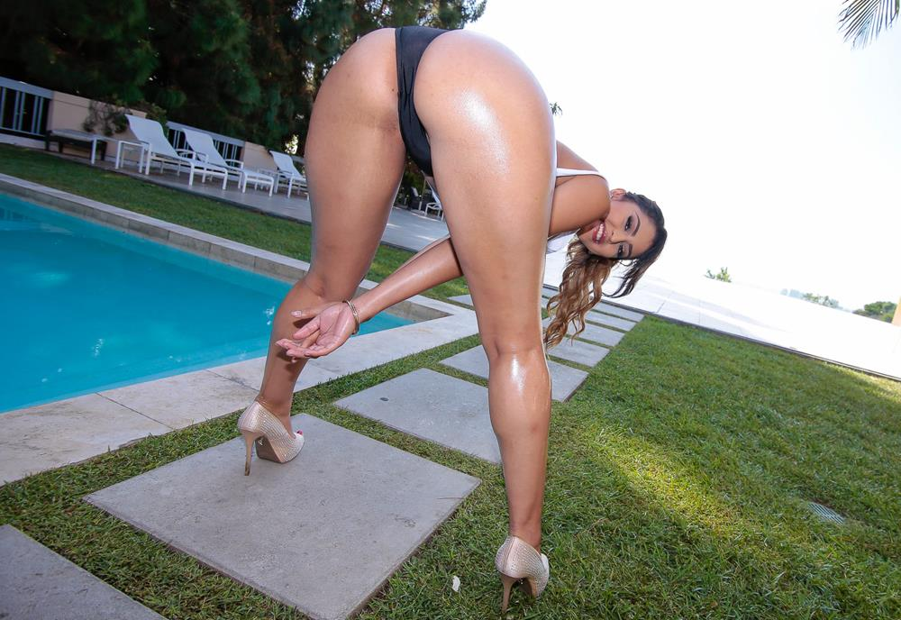 Oiled Ass Bouncing
