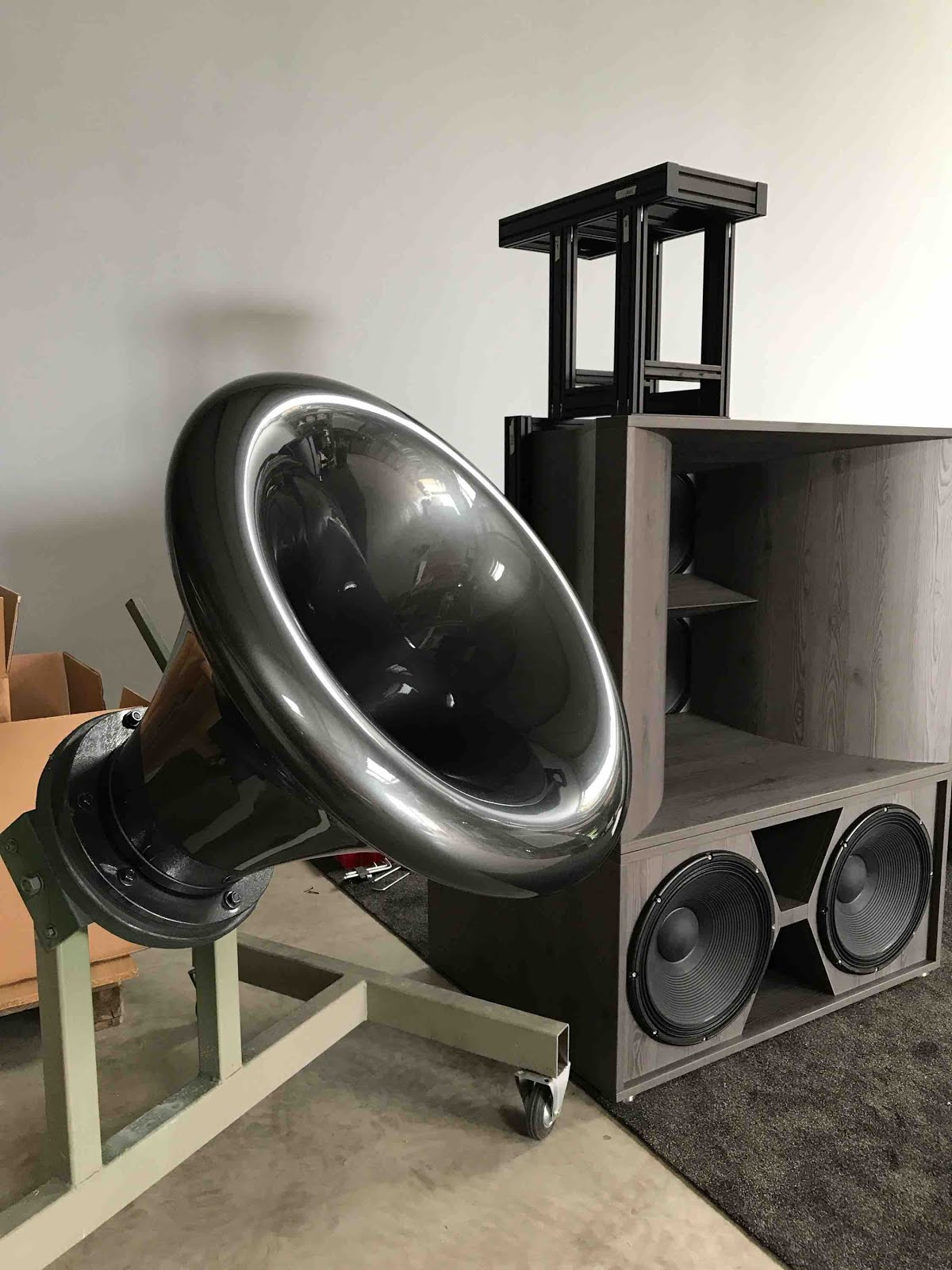 Mono And Stereo High End Audio Magazine Cessaro Voice Of