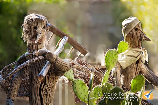 Personaggi legnosi per il presepe di Musadino in valle Veddasca