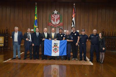 Deputado Estadual Chico Sardelli e Guardas Civis Municipais levam pedidos ao governador