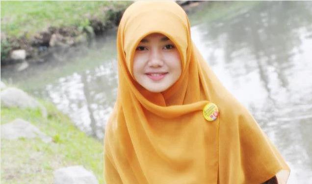 Karena Wanita Berjilbab Selalu Cantik [Indonesian Hijab Blogger] Inillah Bukti Kalau Wanita Berjilbab Memang Cantik.. Baca Selengkapnya..