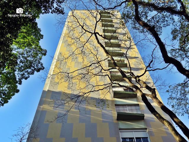 Perspectiva inferior da fachada do Edifício Siena Amalfi Ravena - Higienópolis - São Paulo